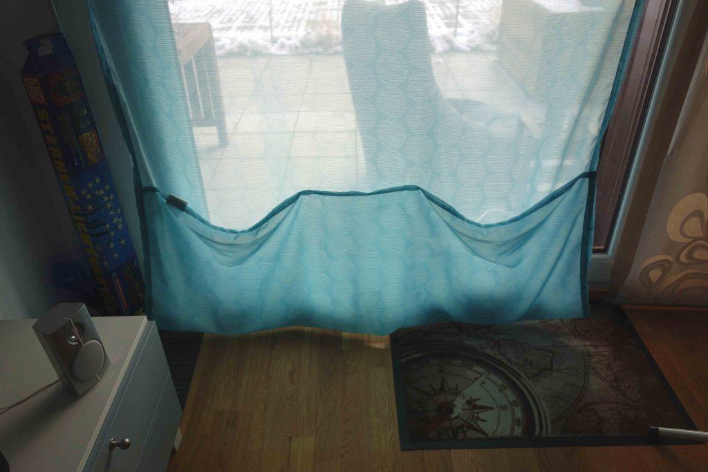 einfaches diy vorh nge ganz ohne n hmschine k rzen. Black Bedroom Furniture Sets. Home Design Ideas