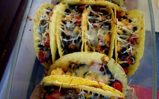 vegetarisch gefüllte Taco Shells