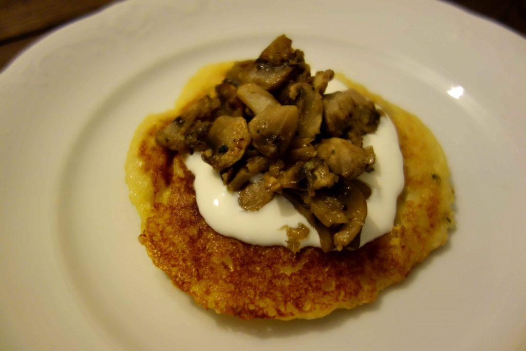 Kartoffelküchlein mit Pilzfüllung