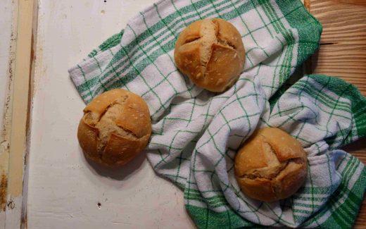 Dinkelbrötchen mit dem Salz-Hefe-Verfahren, spelt rolls with the salt-yeast method