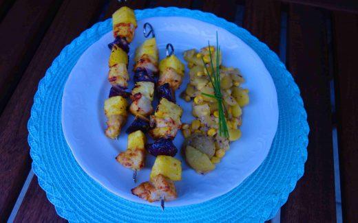 exotische Hähnchenspieße mit Kartoffelsalat, Hawaiian Chicken Kebaps And Mum's Potato Salad