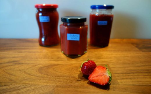 dreierlei Konfitüren mit Erdbeeren, Three Different Kinds Of Jam With Strawberries