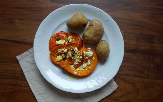Ofenkürbis mit Feta und Kartoffeln, Oven Roasted Squash With Feta And Potatoes