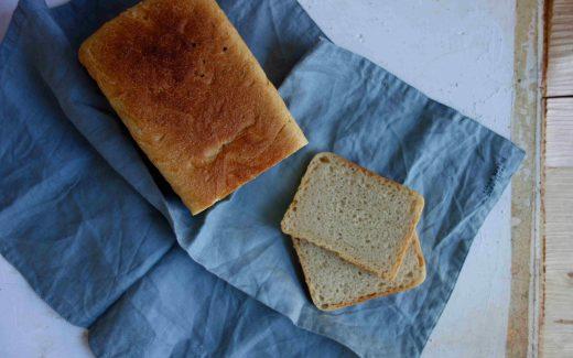 Toastbrot aus Dinkelmehl