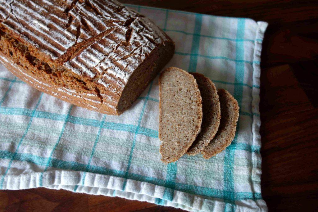 Dreikornbrot mit Brühstück, Three-Grain-Bread with Scald